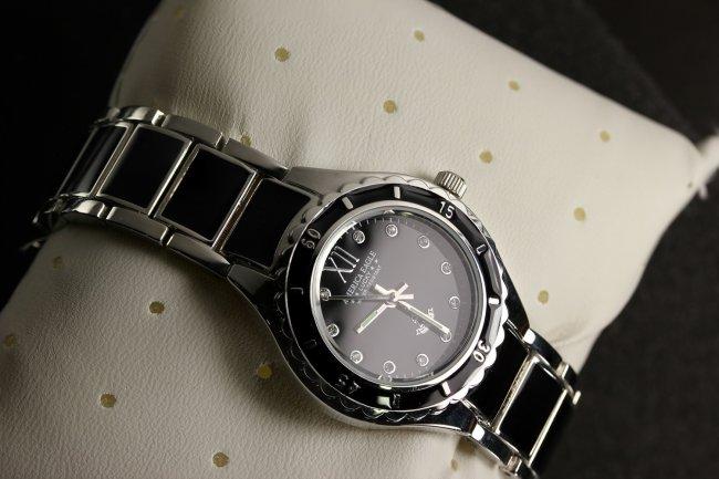 นาฬิกาผู้หญิง สายอะคลิลิก สีดำ America Eagle สวยๆมาแล้วจ้า